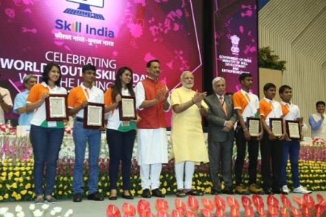 Prime Minster Narendra Modi Felicitate Kushal Trained Tikam Singh & Parusharam Naik